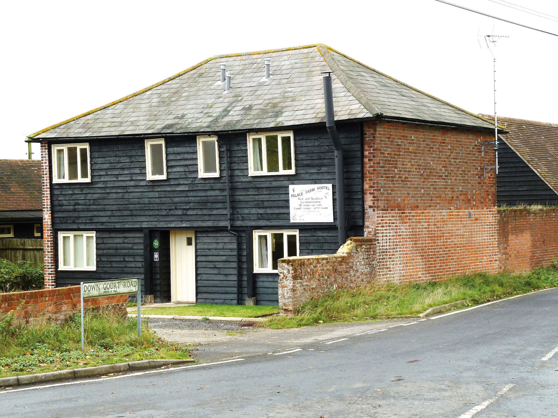 Palace Farm Hostel B&B with self catering